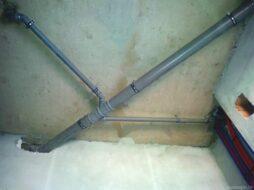Монтаж канализации под потолком