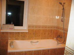 Установка ванны прямой в частном доме