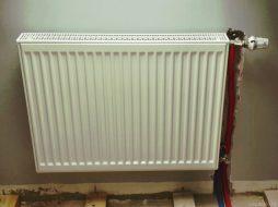 Монтаж радиатора на готовые стены
