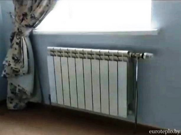 alyuminievyy-radiator-v-spalne